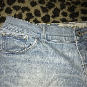 Abercrombie & Fitch Shorts - Super cute Abercrombie shorts size 6